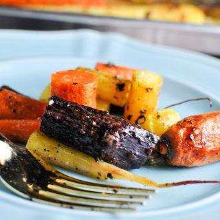 whole30 roasted rainbow carrots