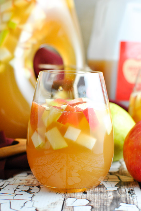 oh. my gosh. Caramel Apple Cider Sangria it's OCTOBER IN A GLASS. so good. and so easy. | thepikeplacekitchen.com